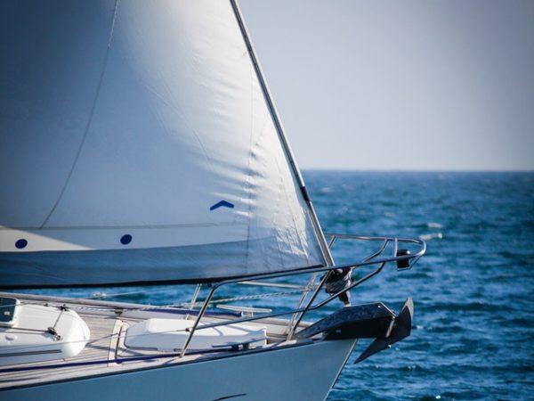 Fören på segelbåt
